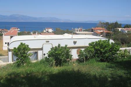 Τροχόσπιτο κοντά σε θάλασσα και φυσικό περιβάλλον - Melissi