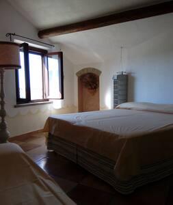 Casa di campagna - camera tripla (2°p) - Castellina Marittima