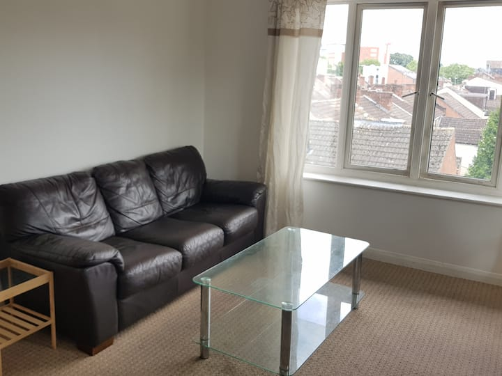 One bed Apartment, Lounge+Dining,open plan kitchen