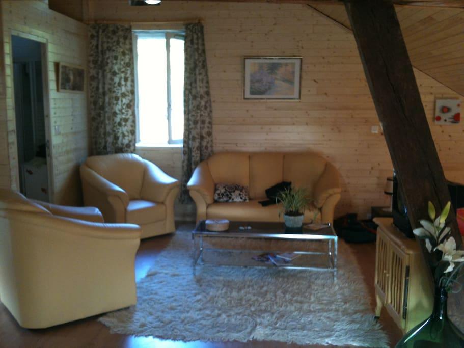 charmant agr able g te en campagne maisons louer brive la gaillarde nouvelle aquitaine. Black Bedroom Furniture Sets. Home Design Ideas