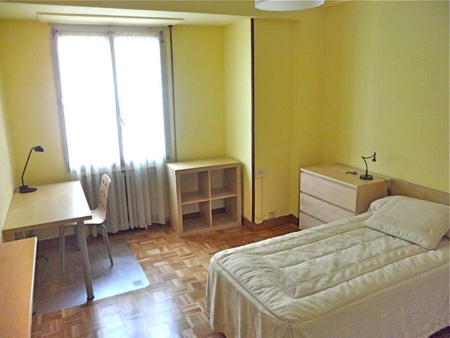 Vitoria piso c ntrico 5hab 9plazas apartamentos en - Apartamentos en alquiler en vitoria ...