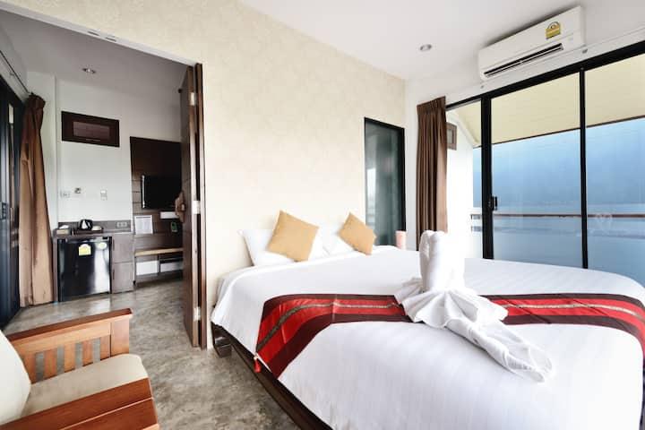 Honeymoon Suite Room,Mountain View