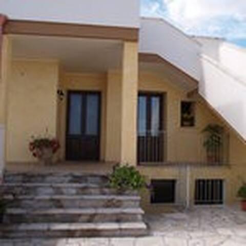 Trilocale accogliente   4/5 posti - Acquarica di Lecce - Apartamento