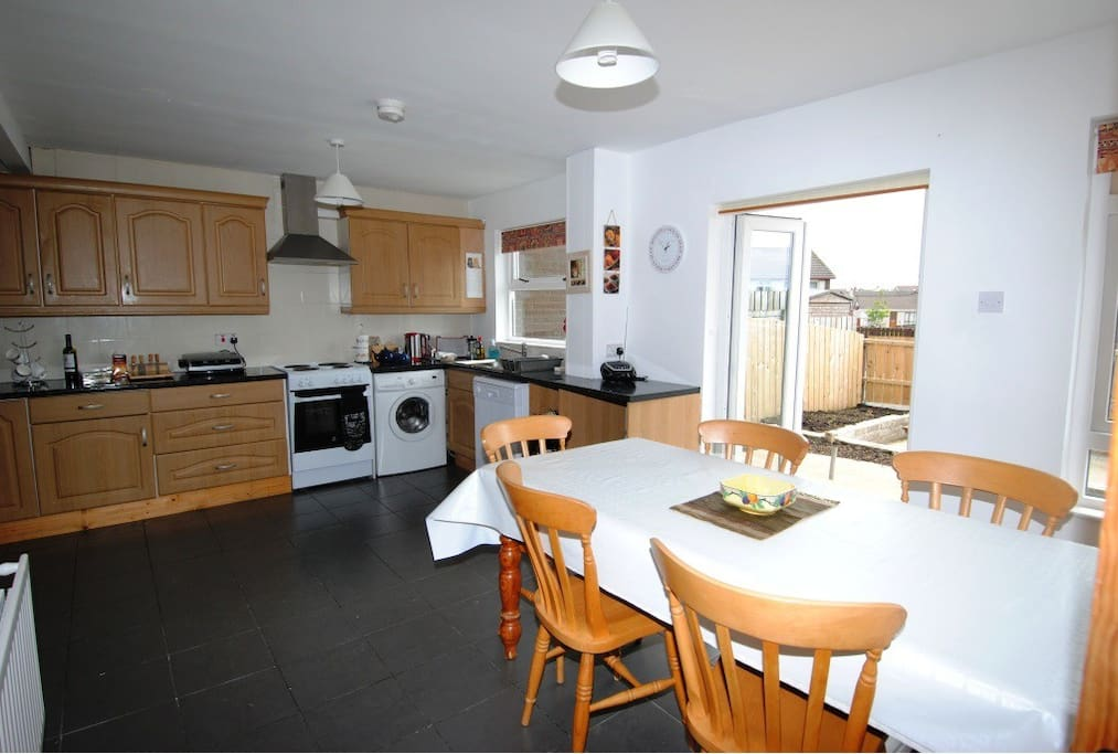 Fully equipped kitchen, with all the cutlery/ crockery/pans/ glasses/utensils etc. you need for a self-catering stay