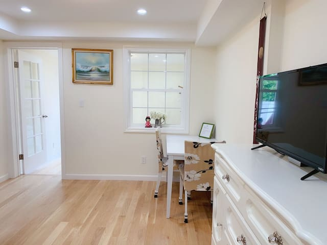 Private bed+bath+living unit(A )/Golden Gate Park