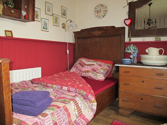 Single Bed Room - Doochary - Bed & Breakfast