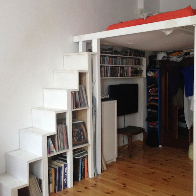the stairs to the upper bed space