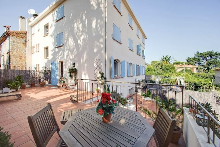 Lovely apartment in the beautiful Cap d'Antibes