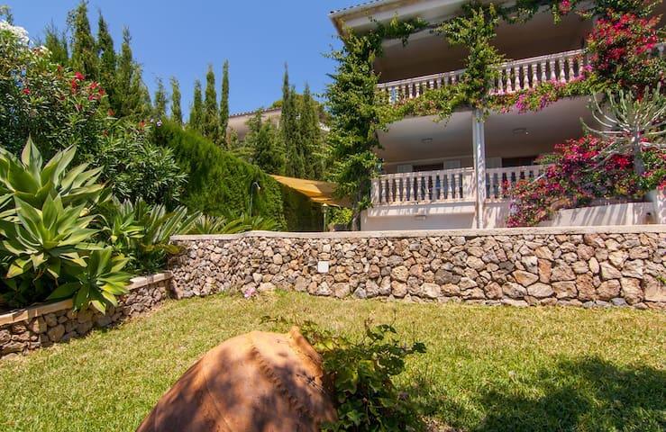 Friendly villa in Alcanada