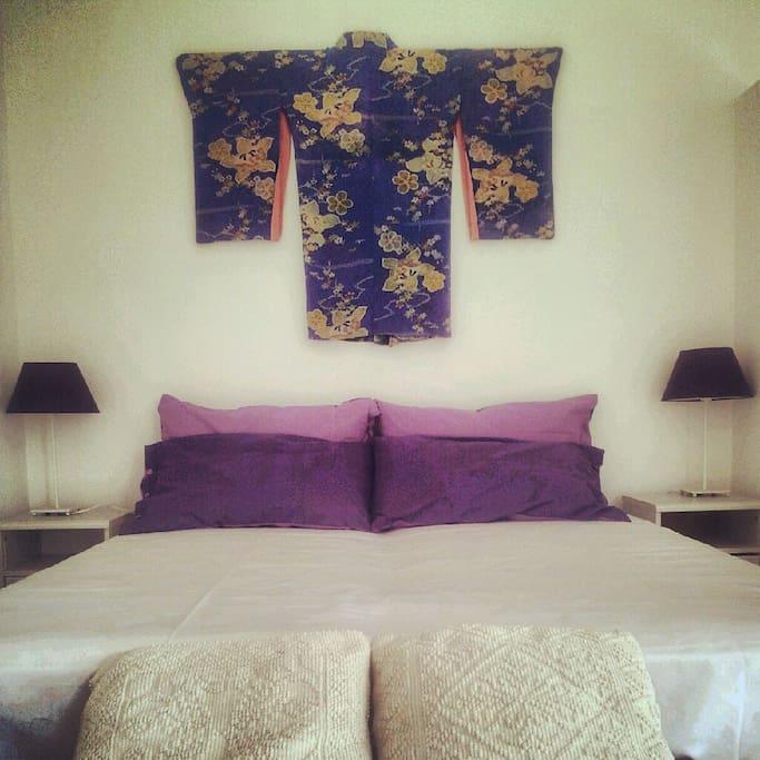 Camera da letto, con tocco etnico