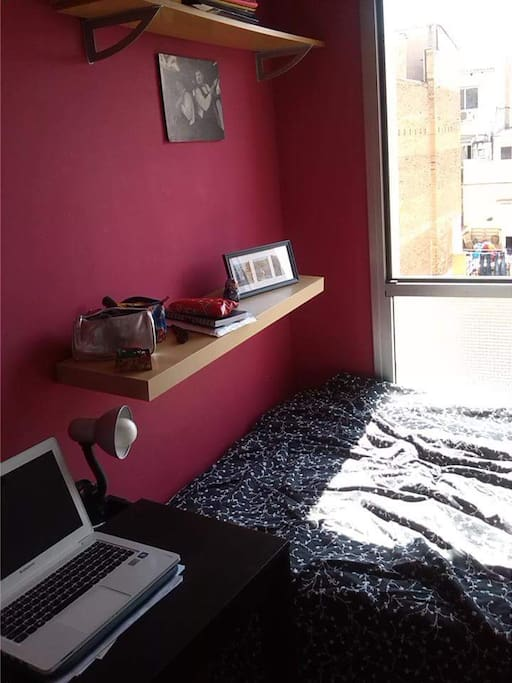 Small desk to work with, and 1,20 bed