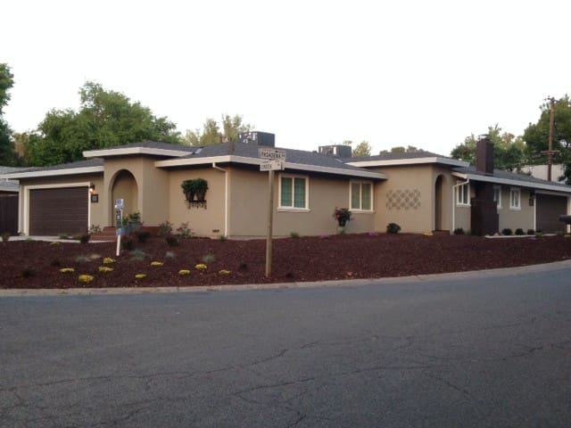 $4500 MONTHLY SPECIAL! 3 BED, 2 BA, 2 CAR! PARK!
