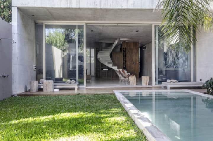Luxury Artist Villa / Premium Location with pool