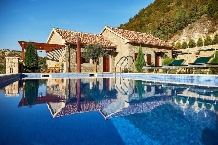 Eco Resort Cermeniza - Villa Lisicina