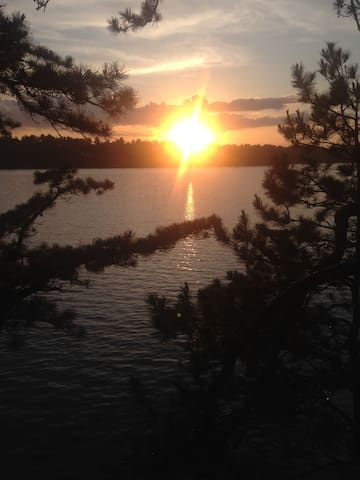 Sunsets Galore at Lakefront Cottage on Mousam Lake - Shapleigh - Blockhütte