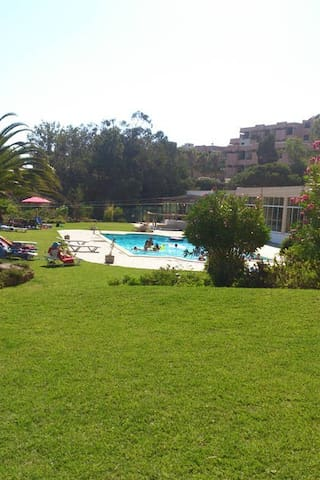 gardens and swimmingpool