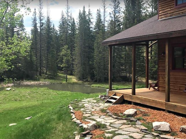 Quiet cabin off the beaten path