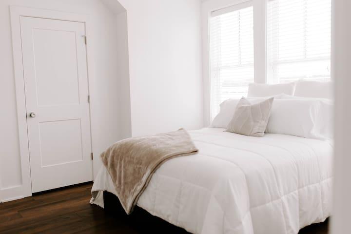 Upstairs Guest Bedroom #3; Queen Bed