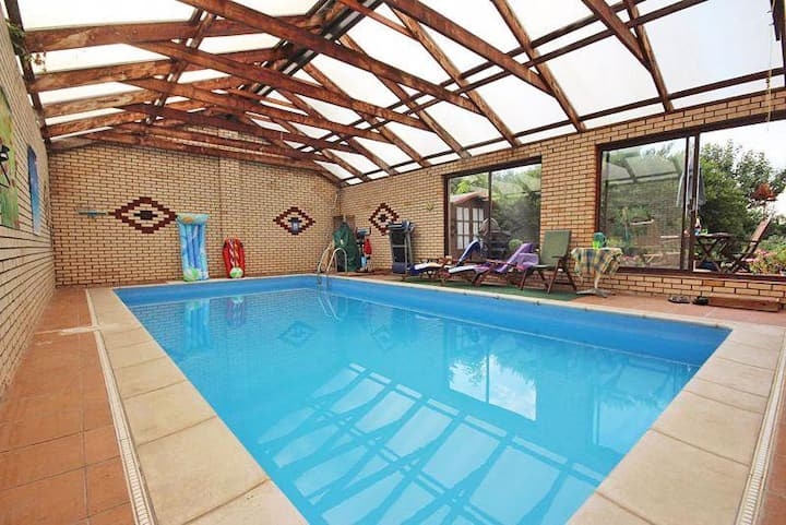 Hill Crest House Lincolnshire With Indoor Pool