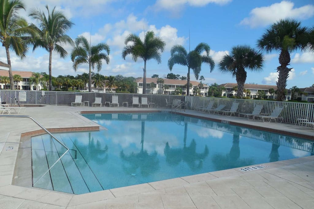 Neighborhood Pool, not to far away from the condo.