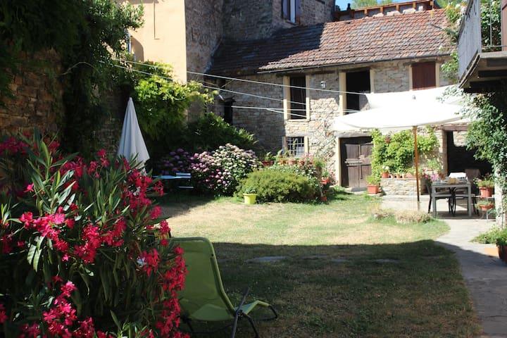 Borgo Antico a San Desiderio - Monastero Bormida - House