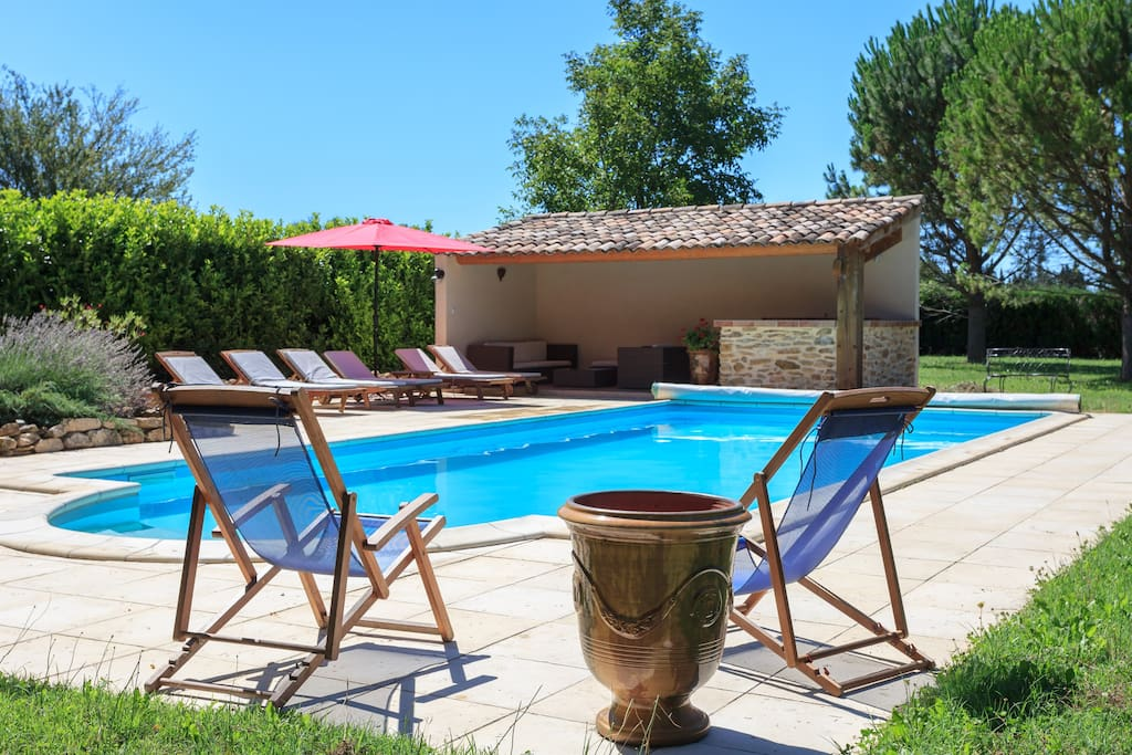 Piscine et pool-house