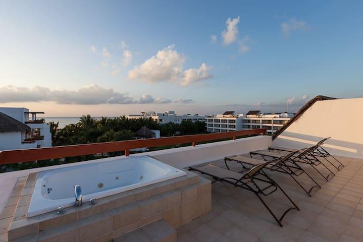 Rooftop Jacuzzi,  Ocean Views
