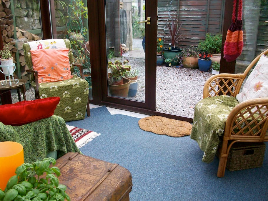 Spacious conservatory - in full sun from midday onwards