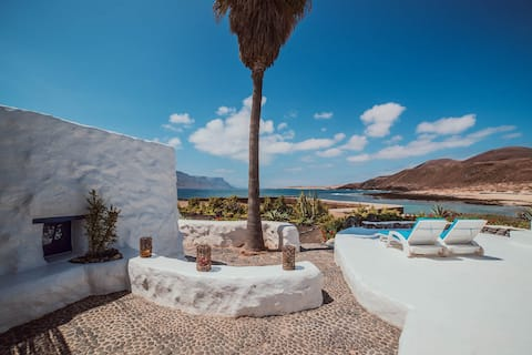Seaside Villa • La Graciosa