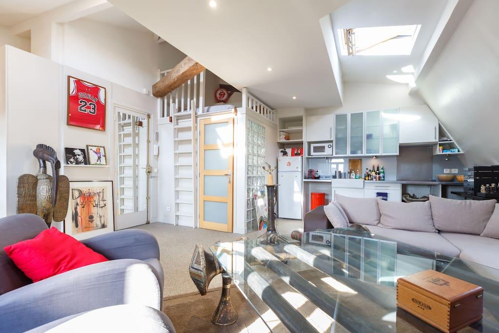 appartement lumineux parc monceau lofts louer paris le de france france. Black Bedroom Furniture Sets. Home Design Ideas