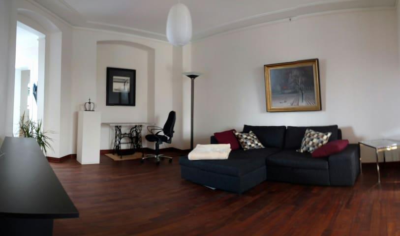 Stilvolle, helle Altbau-Wohnung - Neuss - Pis
