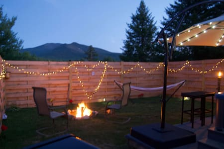 MG-Private fenced in yard with hot tub, campfire