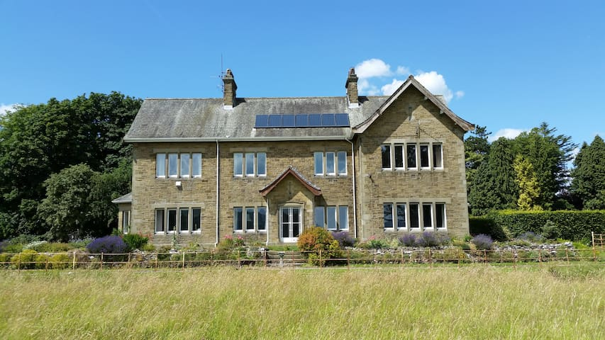 Grassington spacious B&B with incredible views
