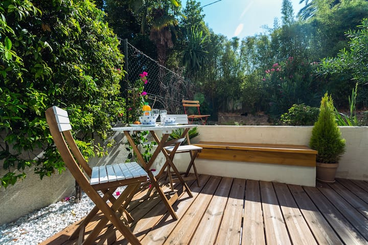 Studio design et agréable terrasse - Nice - Daire
