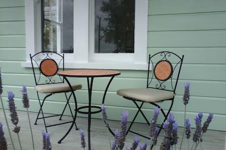 Lavender53 - Newly renovated villa - House