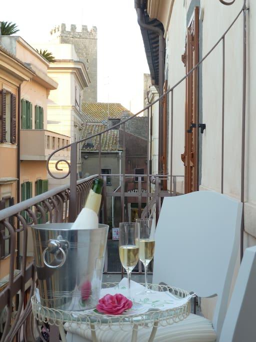 Ravnthu e Tanaquilla balcone Tarquinia Resorts