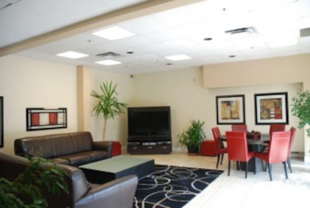 3rd floor amenity lounge