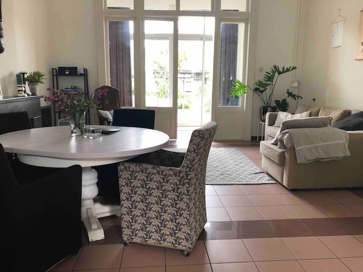 Spacious nice decorated ground floor apartment