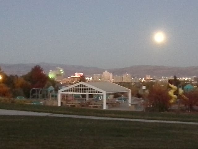 4 miles from downtown Reno!
