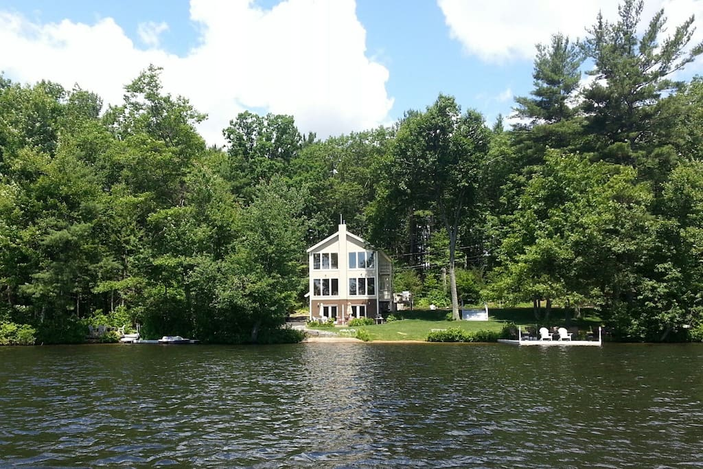 Big private lake house in the woods houses for rent in for Lake cabins for rent in massachusetts