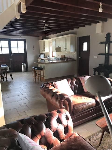 Ahakista Lodge Cottage