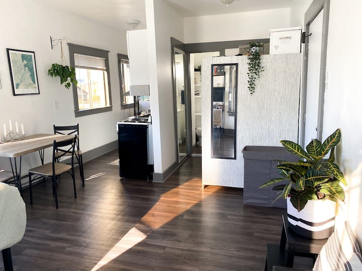 Spacious studio steps to the beach & Abbot Kinney