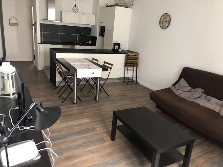 Appartement refait à neuf à 200 m du port
