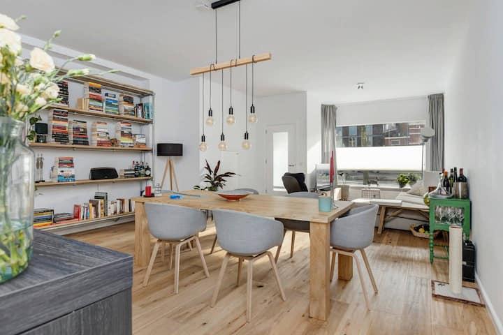 →Large and modern home near Utrecht city center