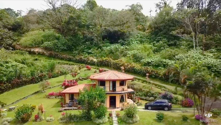 Lake View Villa in the Rain Forest on Lake Arenal