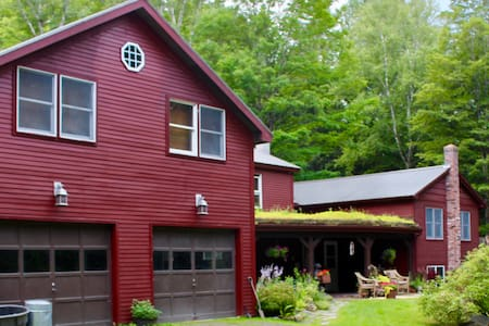 Unique Spacious Custom House in Stowe - Big Groups