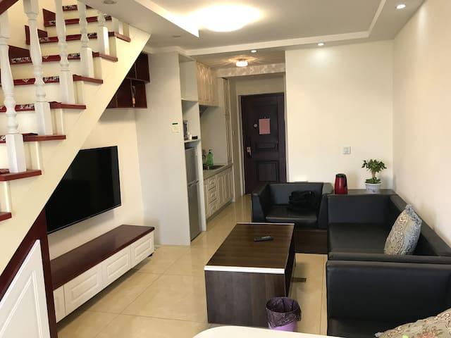 唐人中心双层豪华公寓一室一厅