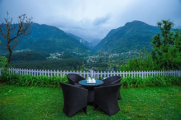 Deluxe Room,Breakfast+Mountain&River View@Manali