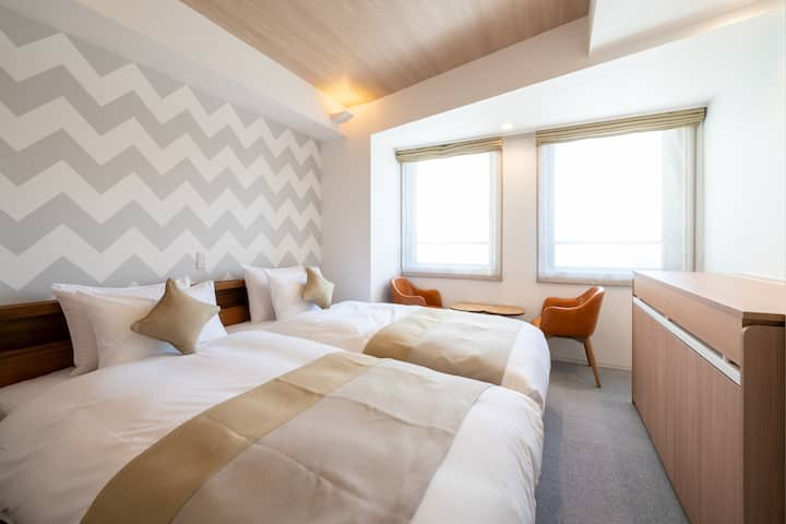 【No3】キッチン付き♡カップルにおすすめ新築ホテルの広々としたお部屋♪アールデコ