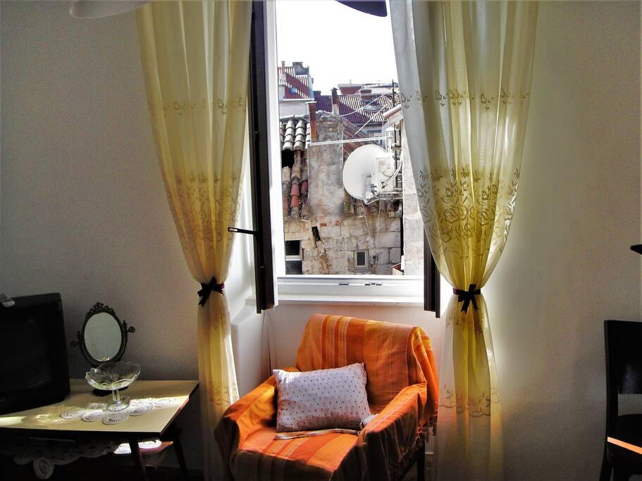 Tv in main bedroom - City view
